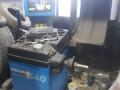 masina-za-skidanje-guma-teretnih-vozila-i-balanserke-small-2