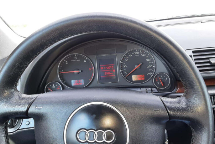 audi-a4-karavan-2002-god-big-4
