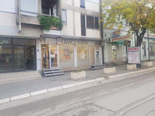 Prodaje se POSLOVNI PROSTOR u centru Bajine Baste