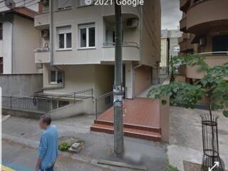 Izdajem garazno mesto, 16m2, Bilećka 22
