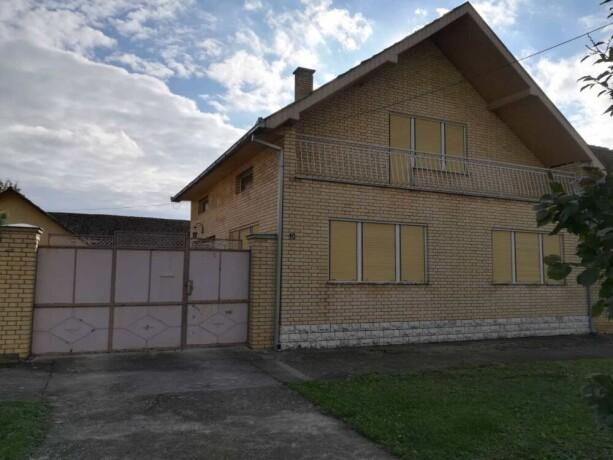 Prodaje se kuća sa mansardom Thumb-816x460-0ef184e7fe72d5d205e1b2fa8a506cbe